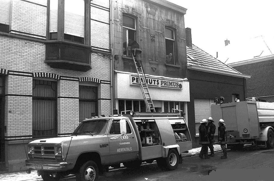 De Peanuts was een zaak die wat later in de Nieuwstraat opdook. Begin jaren negentig werd ze getroffen door een brand.