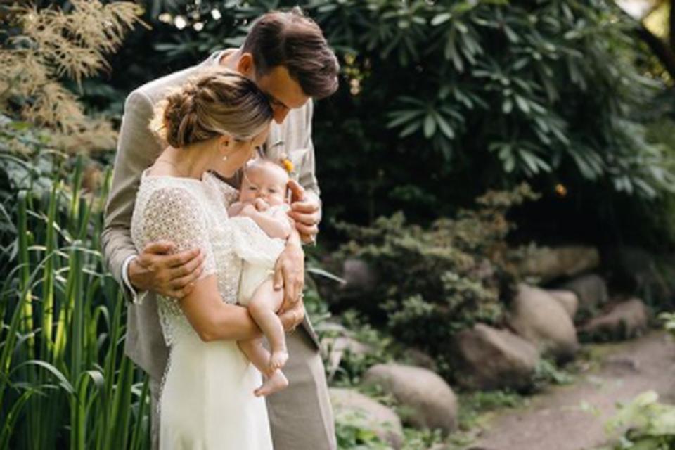 Op Instagram toonde het kersvers getrouwd koppel ook hun dochtertje Max.