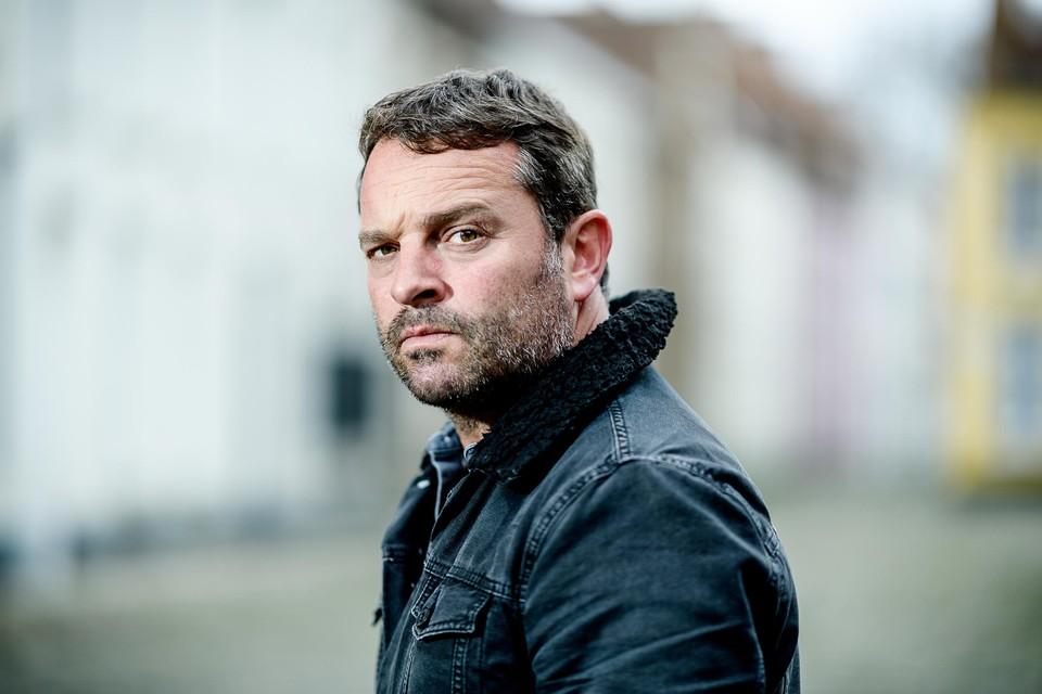 In blikt Adriaan Van den Hoof terug op zijn vorige vijf solovoorstellingen.