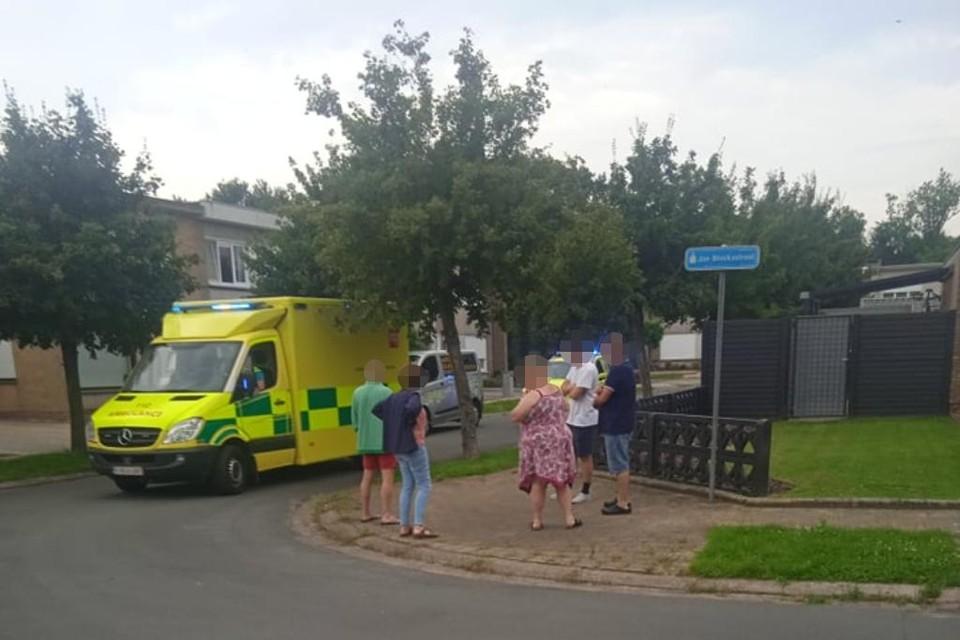Het slachtoffer kreeg medische zorgen toegediend en werd naar het ziekenhuis gebracht.