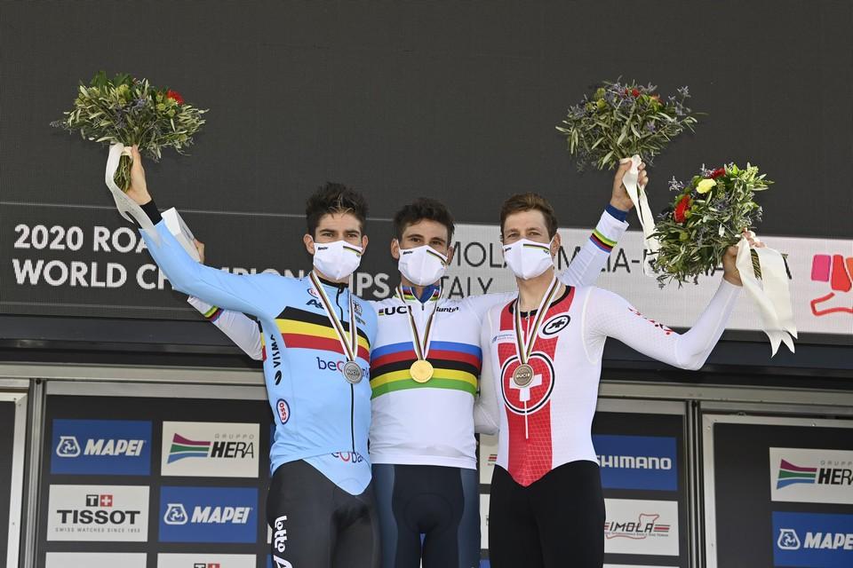 Het podium van vorig jaar in Imola: Wout Van Aert, winnaar Filippo Ganna en Stefan Kung
