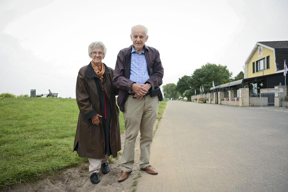 Lucy en Johan, trouwe fans van Sint-Anneke