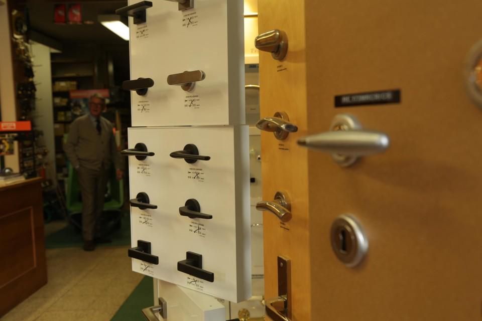 Door zich te specialiseren in deurbeslag kon Gerhard Tilleman zich onderscheiden van de doe-het-zelf zaken.