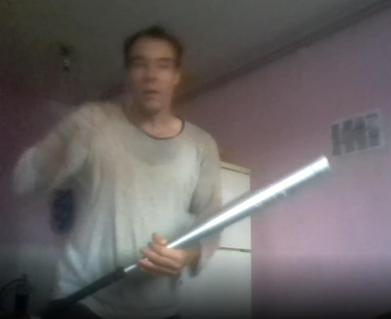 Haenen zwaaide in een video met een baseballknuppel, en dreigde dat hij de nieuwe 'Elliot Rodger' zou worden.