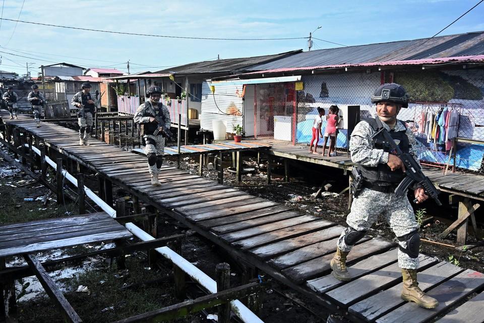 Archiefbeeld: Colombiaanse militairen patrouilleren in Tumaco.