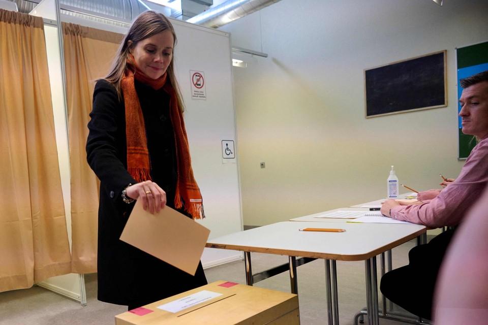 De IJslandse eerste minister Katrin Jakobsdottir  ging gisteren stemmen