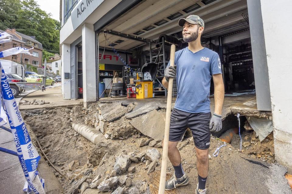 De vader van Yassine Chouaibi (foto) heeft een garage bovenaan de rue de Philippeville.