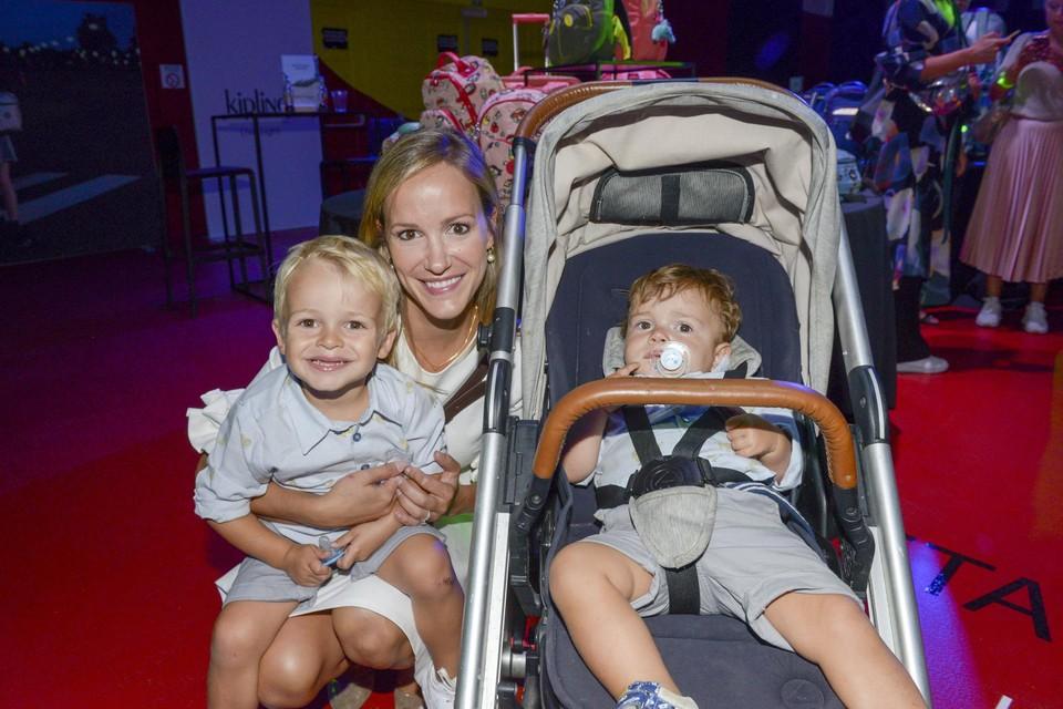 """""""Mijn kinderen zijn veel rustiger sinds ik meer thuis ben"""", zegt voormalige mol Elisabet Haesevoets, die haar job als spoedarts vaarwel zei voor een eigen praktijk in esthetische geneeskunde."""