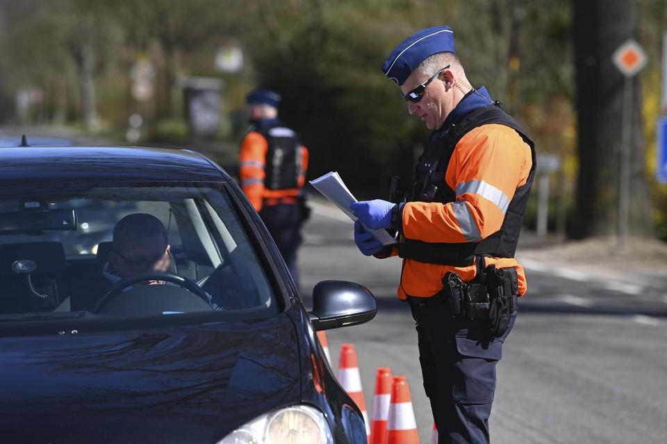Grenscontroles uitgevoerd door de federale politie.