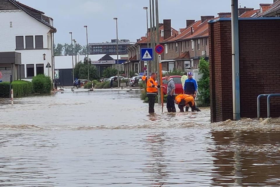 De Slachthuisstraat blijft onder water.