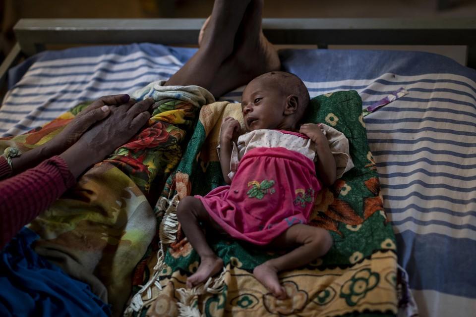 Tigsti Mahderekal is 20 dagen oud en ondervoed