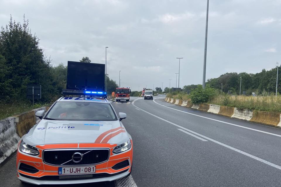 Onder andere op de afrit Kortrijk-Oost ging een wagen aan het slippen.