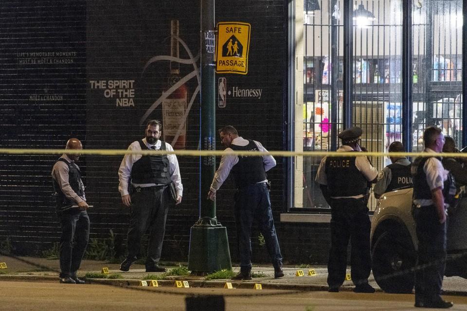 Afgelopen weekend alleen raakten liefst 99 mensen gewond na een schietpartij in Chicago.