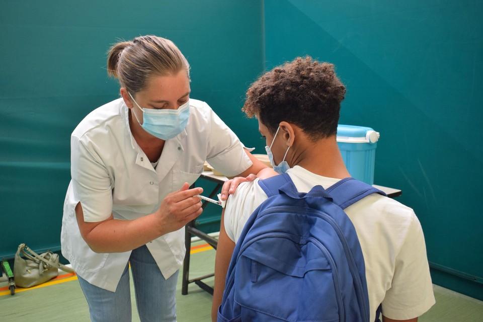 Deze week werden er in het Antwerpse al zo'n tweehonderd leerlingen op school gevaccineerd.
