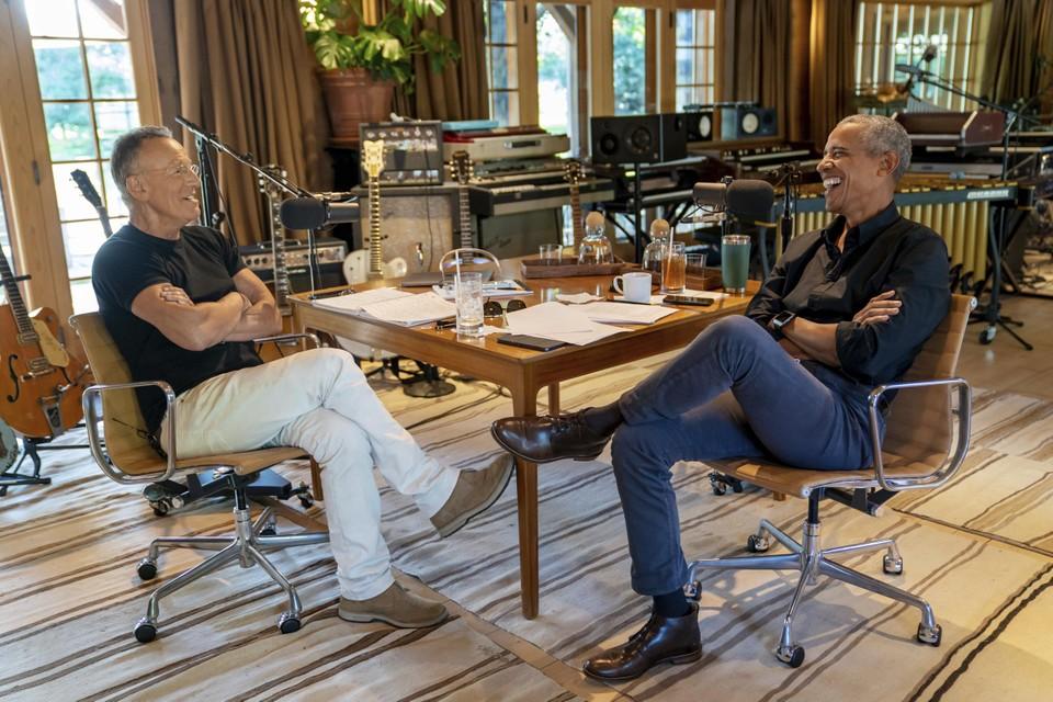 In hun podcast zullen Obama en Springsteen het hebben over vaderschap, ras en de Amerikaanse staat.
