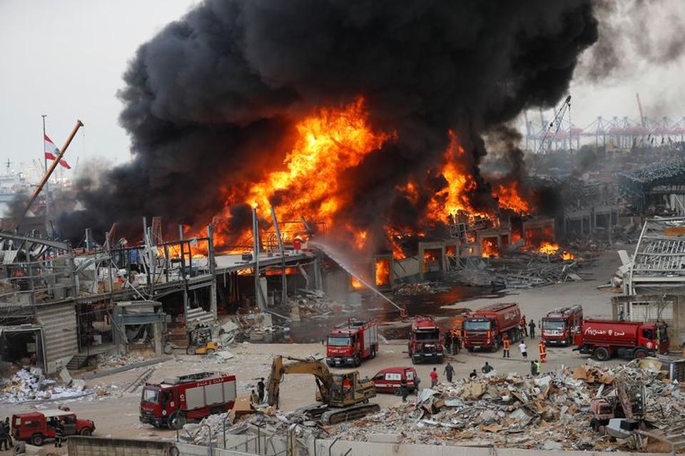 Een zware explosie veegde de haven van Beiroet vorig jaar van de kaart