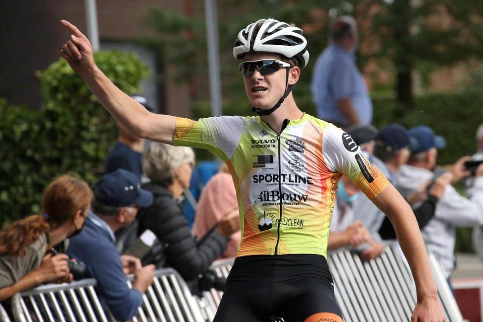 Axel Vandamme snelde solo naar de overwinning en de provinciale titel.