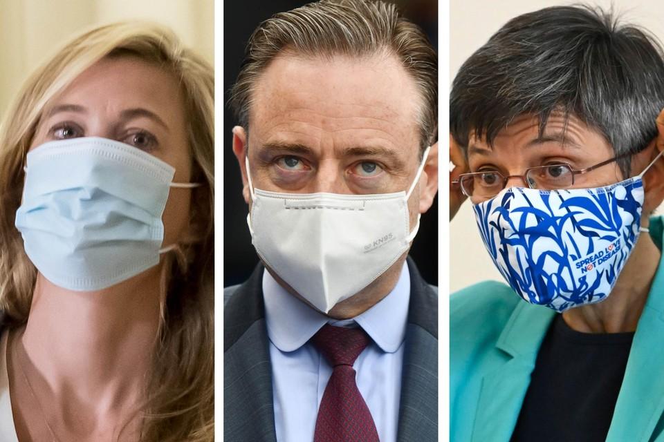 Minister van Binnenlandse Zaken Annelies Verlinden (CD&V), Antwerps burgemeester Bart De Wever (N-VA) en Antwerps provinciegouverneur Cathy Berx: geen van deze drie hield de koopzondag in Antwerpen tegen.