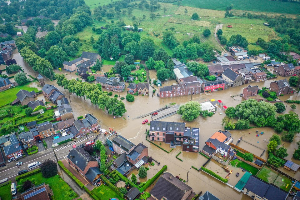 In Moelingen liepen in de nacht van 14 op 15 juli tientallen huizen onder water.
