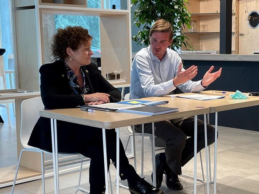 Minister van Mobiliteit Lydia Peeters (Open VLD) kwam maandag naar Gent om de beslissing bekend te maken, geflankeerd door burgemeester en partijgenoot Mathias De Clercq.