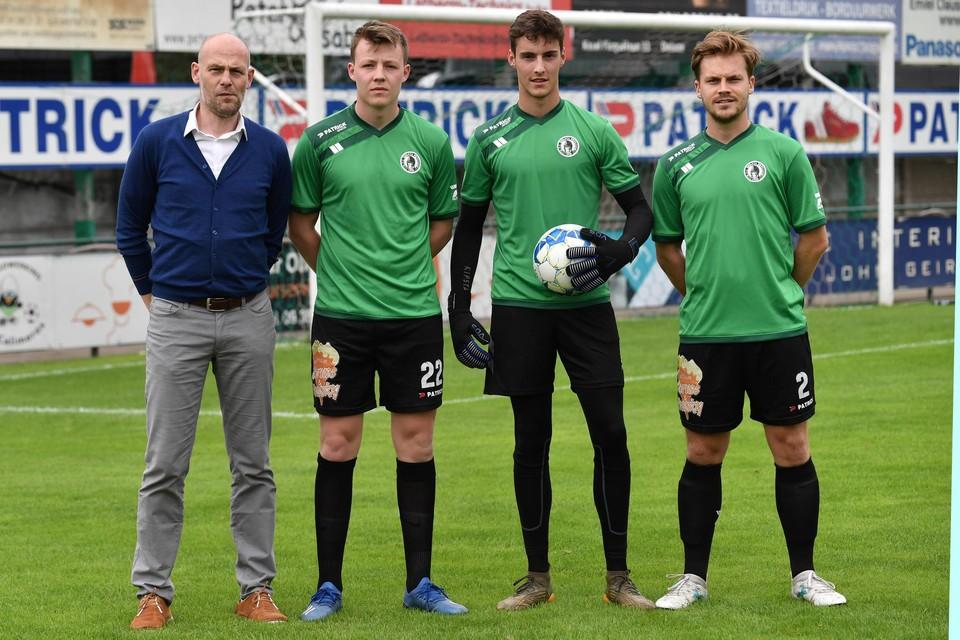Trainer Bert Dhont met aanwinsten Maxime Maes, Gauthier Vandesteene en Kenzo Verheuge.