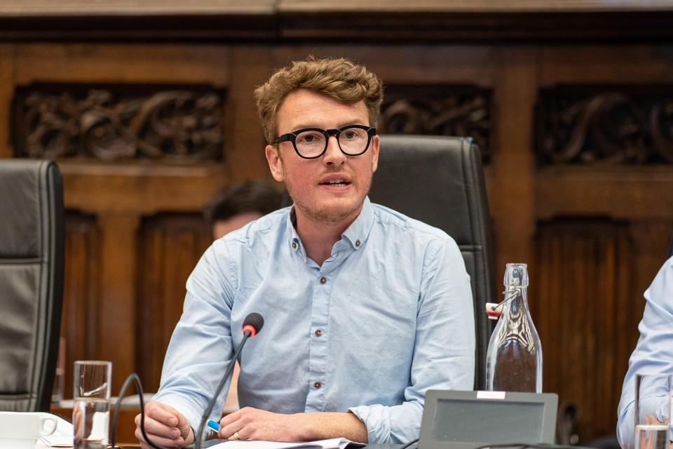 Schepen van Personeel Bram Van Braeckevelt (Groen) wil dertig procent mensen van buitenlandse afkomst binnen de Gentse stadsdiensten