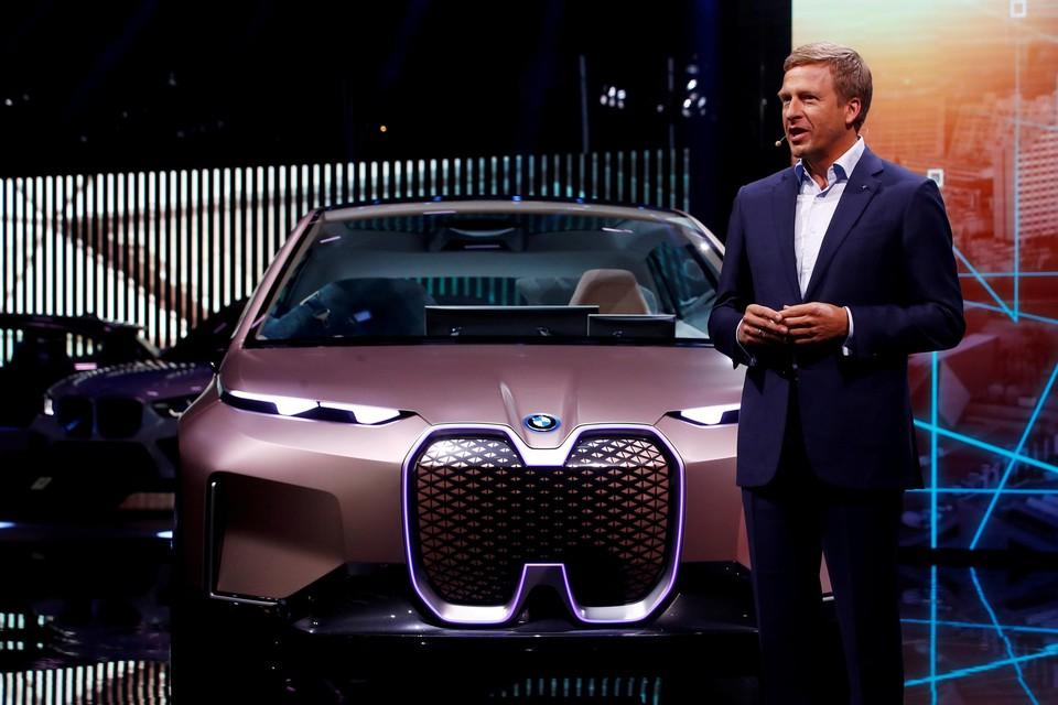 """Oliver Zipse, CEO van BMW, verwacht """"een volatielere tweede jaarhelft""""."""
