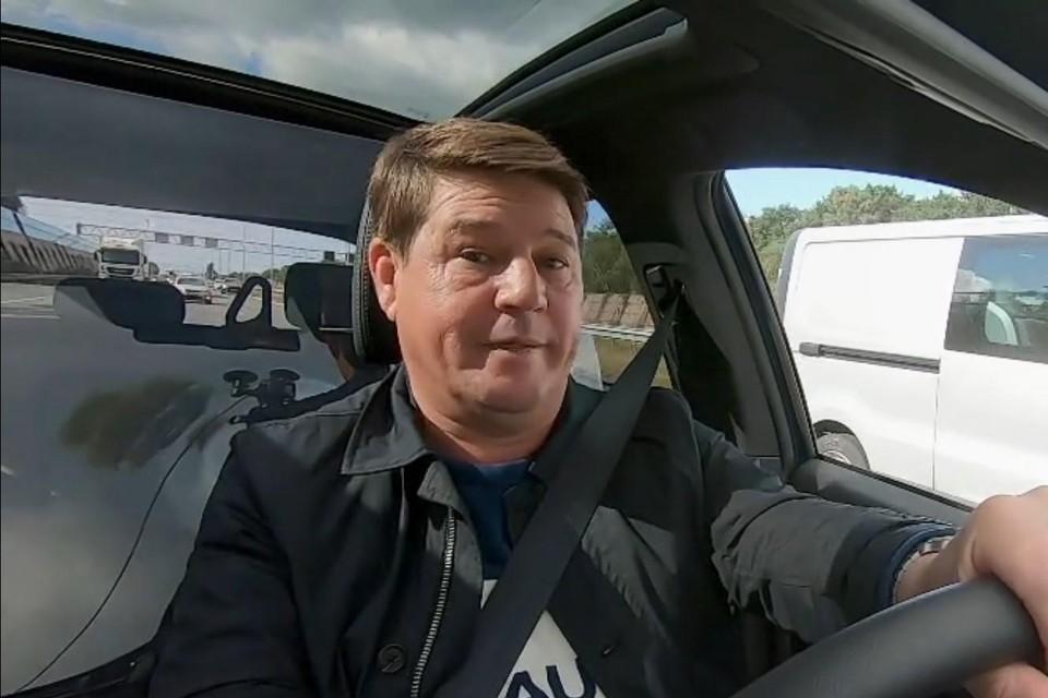 De Nederlandse versie van 'Blind gekocht', 'Kopen zonder kijken', wordt gepresenteerd door Martijn Krabbé.