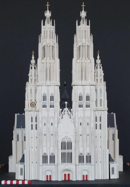 De interpretatie, op maquette, van wat de 'superkathedraal' had kunnen worden.