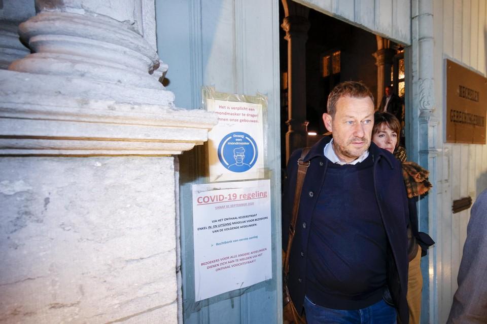 Bart De Pauw bij het verlaten van de rechtbank in Mechelen donderdagavond.