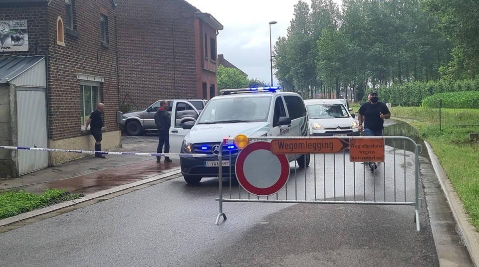 De weg Budingen naar Zoutleeuw werd afgesloten.