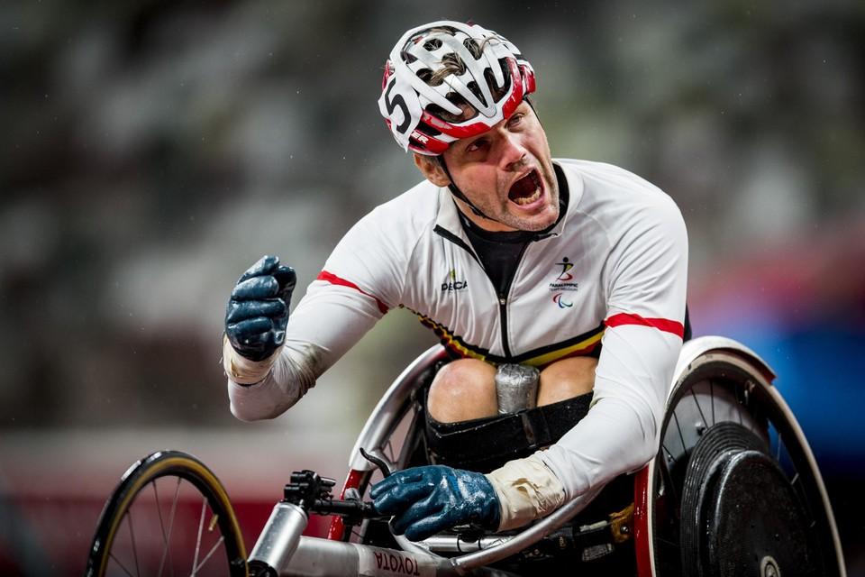 Sabotage of niet, rolstoelsprinter Peter Genyn knalde toch maar mooi naar goud en zilver.