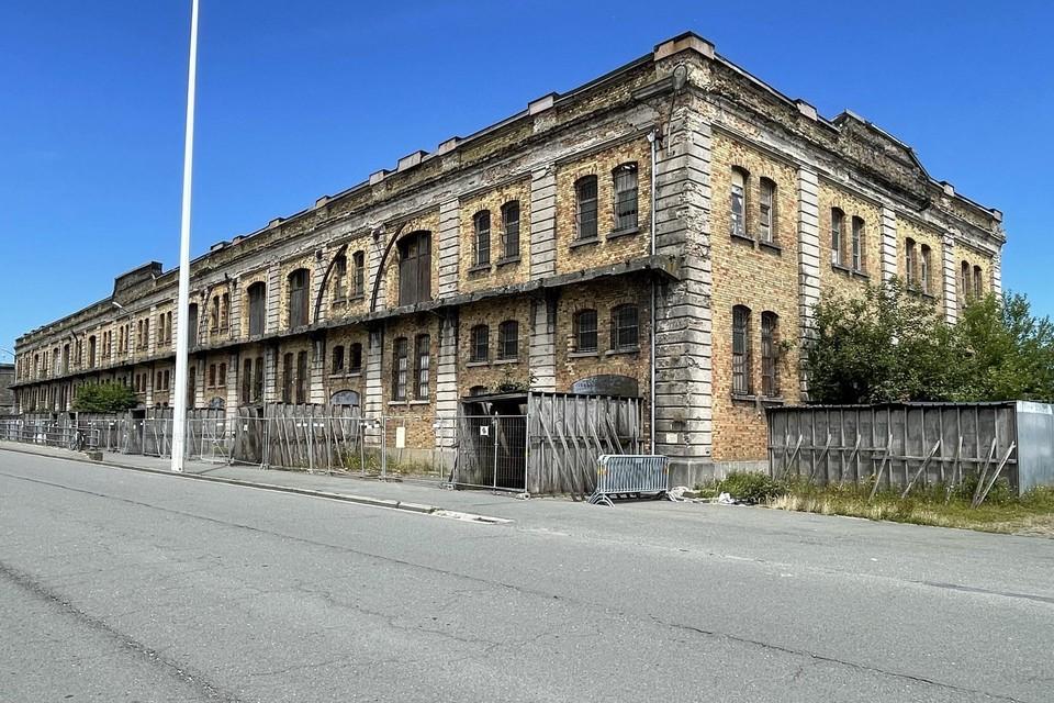 Het gebouw staat er al jaren vervallen bij, maar daar komt binnenkort verandering in.