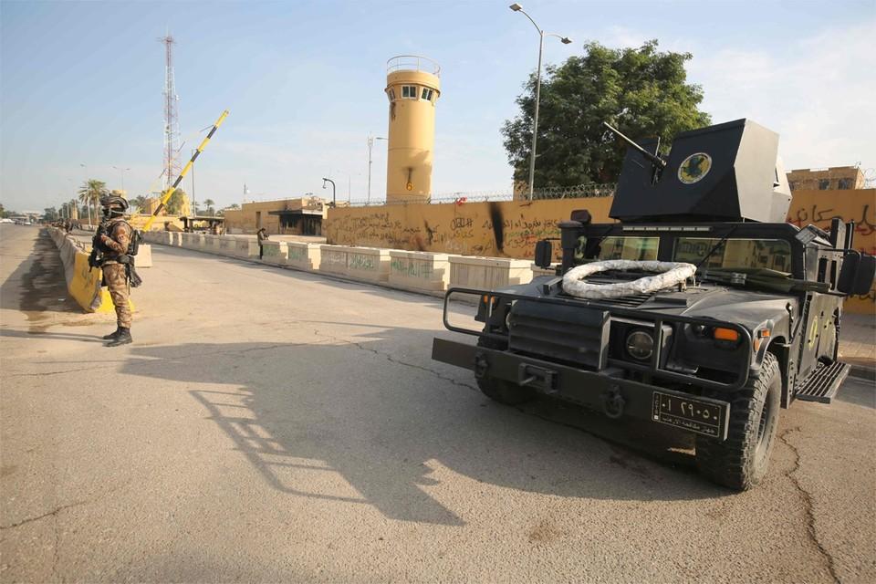 Archiefbeeld: Iraakse antiterreurtroepen houden de wacht voor de Amerikaanse ambassade in Bagdad.