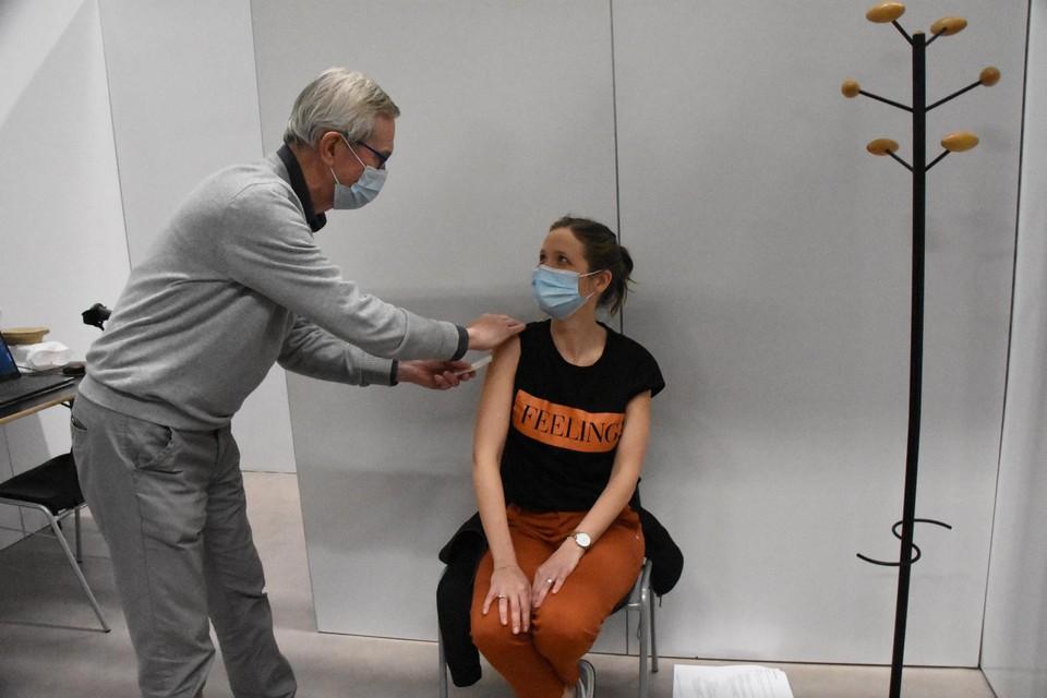 In het vaccinatiecentrum Koornmolen in Gooik kan wie ouder is dan 18 jaar dinsdagavond een Johnson&Johnson-prik halen zonder uitnodiging of afspraak.