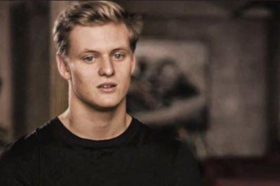 Mick Schumacher tijdens 'Schumacher' op Netflix