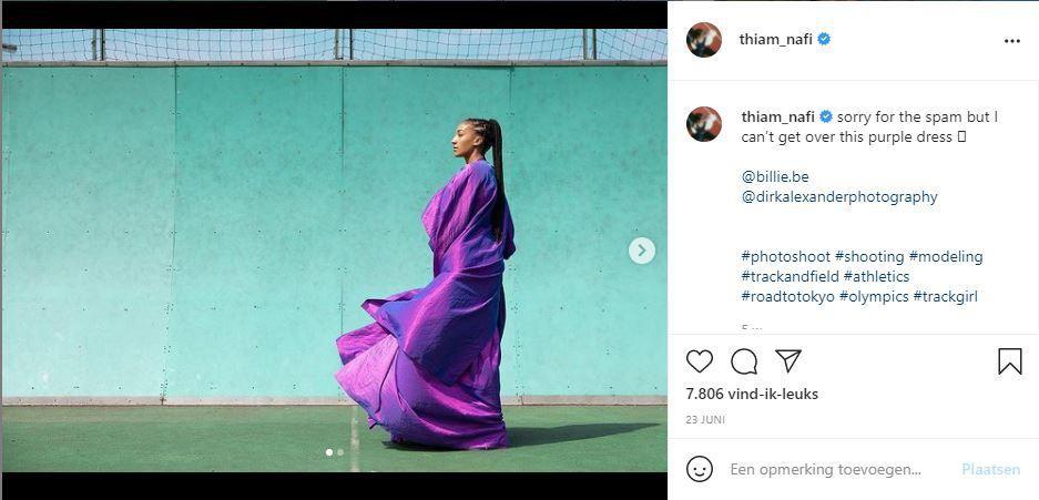 """""""I can't get over this dress"""", scheef ze na het interview met haar in Billie op 19 juni. Jurk: Max Niereisel, schoenen: Nike x Off white"""