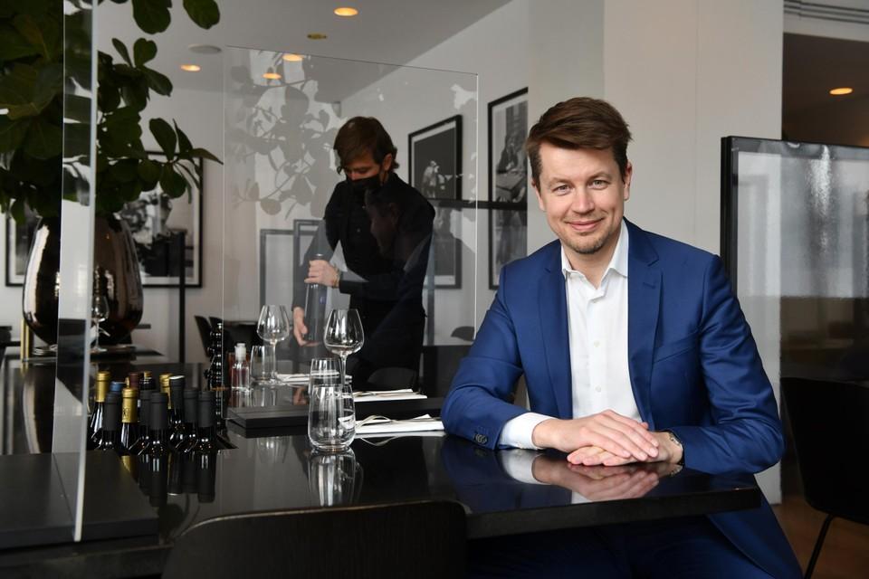 Matthias De Caluwein restaurant Ferrier 30.