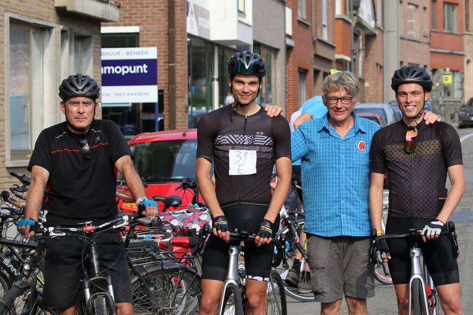 De winnende ploeg Huts met John Vankeijenberg.