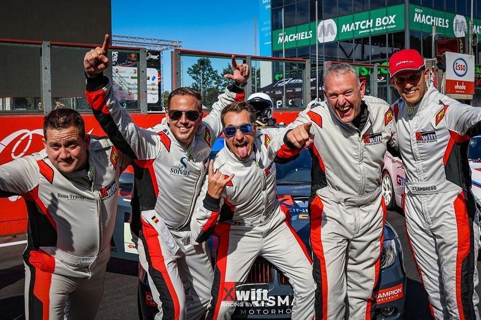 Xwift Racing Events, met onder meer Zomergemnaren Christophe Ryckaert en Dominique Willems en acteur Andy Peelman.