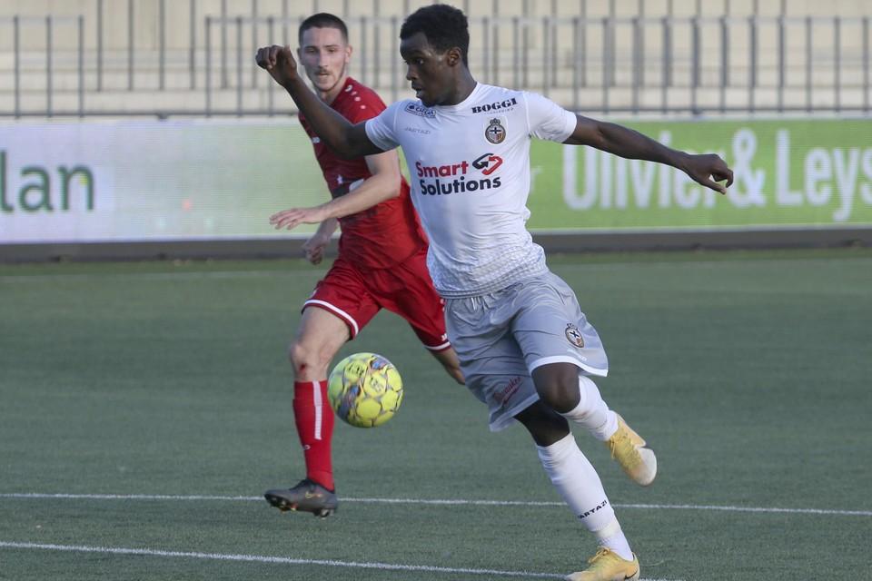 Amadu Jalloh op weg naar de 1-0.