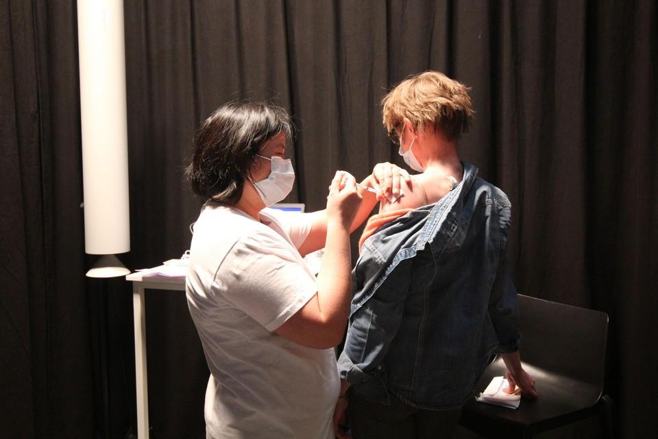 De laatste vaccins worden gezet bij vaccinatiecentrum ZORA.