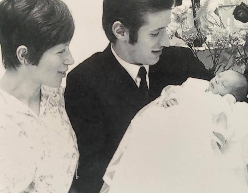 Een pasgeboren Helmut Lotti met zijn ouders, in 1969.