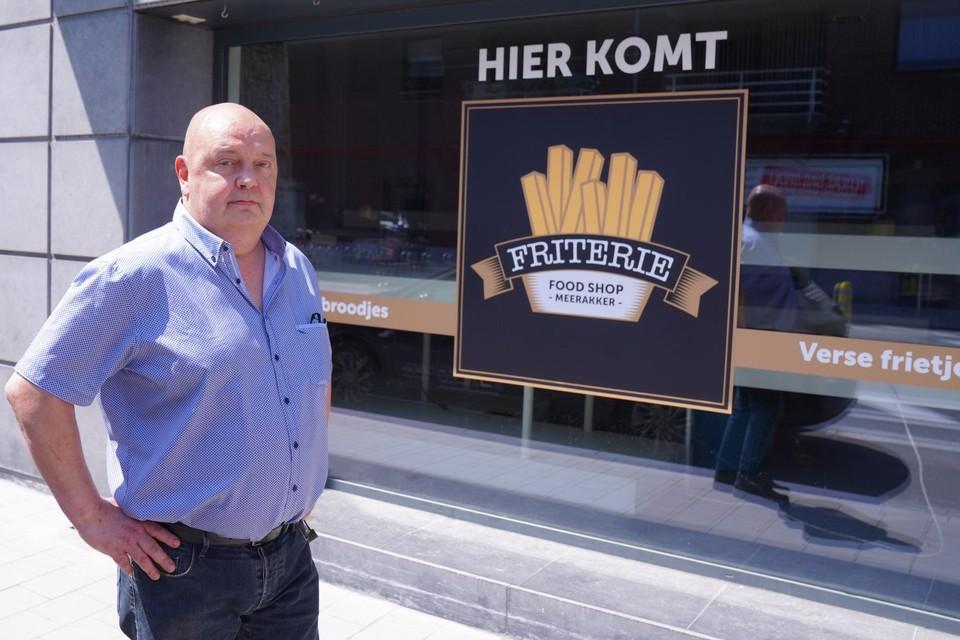 Philippe De Clercq opent een tweede zaak op de Antwerpsesteenweg in Sint-Amandsberg: Friturie Foodshop Meerakker.