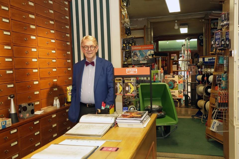 """""""'t Is gewoon tijd om wat meer van het leven te genieten. En ja, ik ga mijn klanten missen, maar ik blijf in Mariaburg wonen"""", zegt Gerhard Tilleman."""