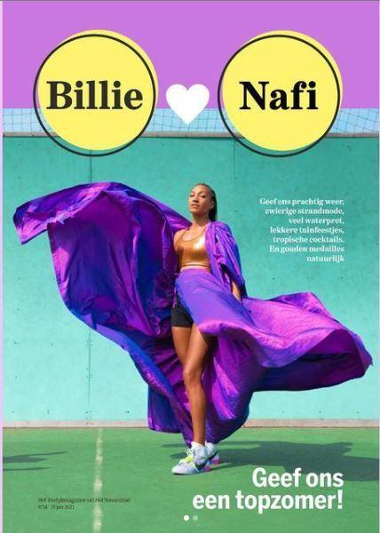 De medaille voor mooiste cover heeft ze al binnen! Gouden sportbeha: Nike, jurk: Max Niereisel, schoenen: Nike x Off white.