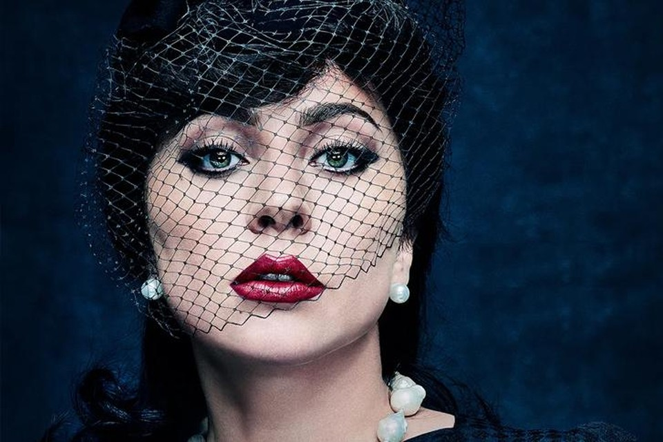 Lady Gaga als 'black widow' Patrizia Reggiani.