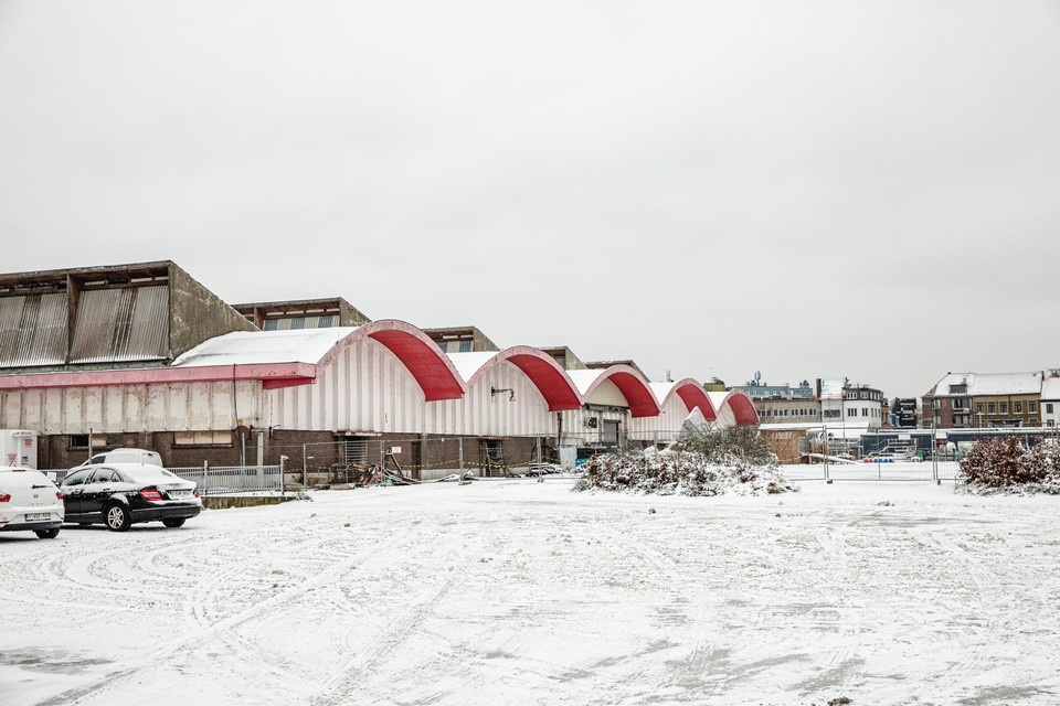 De site van het slachthuis ziet er desolaat uit. Een campus van de AP Hogeschool, nieuwe woningen en groen publiek domein moeten daar verandering in brengen.