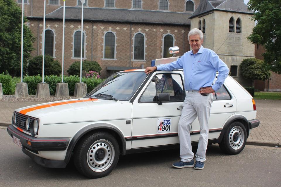 Ronny heeft op straat veel bekijks met zijn Oude Rijkswacht Golf GTI