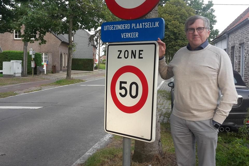 Schepen van Mobiliteit Chris De Wispelaere: in de meeste straten in Lievegem zal het snelheidsregime 50 per uur zijn.